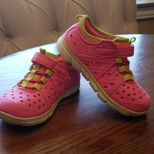 Stride Rite Made to Play Phibian water shoe